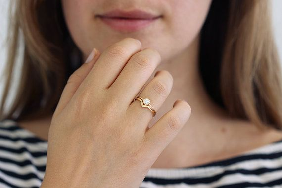 Wedding Diamond Rings – What You Need to Know About Finding a Bargain!